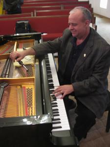 Dave Davis Piano Tuning